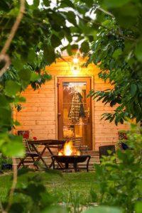 orchard-pods-firepit-glamping-kent